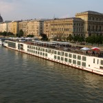 Budapest river cruise ships